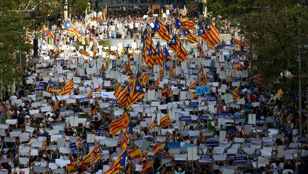 Marcha en repulsa por los atentados terroristas en Barcelona - Sputnik Mundo