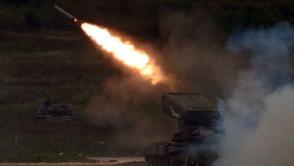 El sistema ruso TOS-1A Solntsepiok - Sputnik Mundo