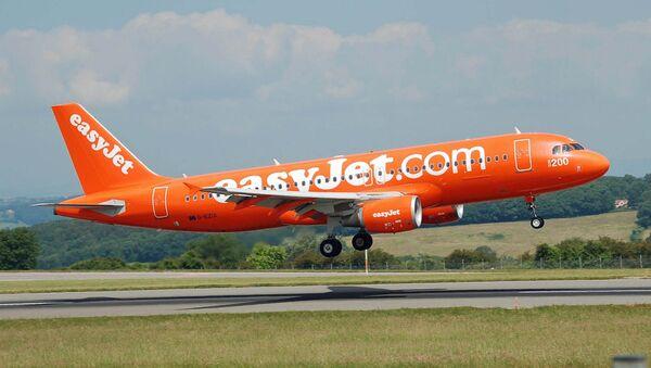 Un avión de la aerolínea británica EasyJet - Sputnik Mundo