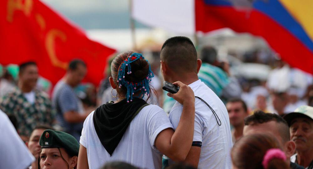 Militantes de la FARC, fuerza política que participará por primera vez en elecciones democráticas