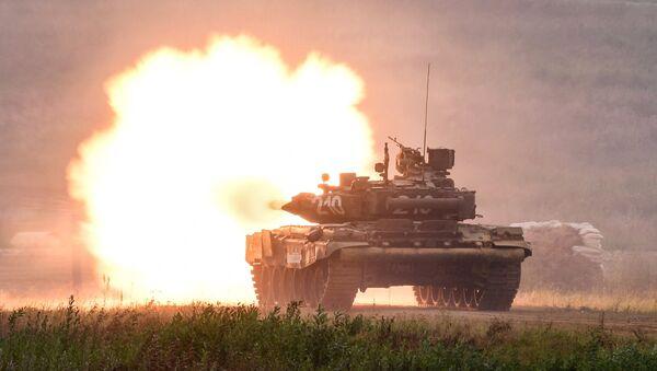 Un tanque ruso T-90 - Sputnik Mundo