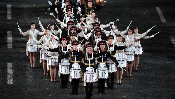 La espectacular ceremonia de inauguración del festival Torre Spásskaya en Moscú - Sputnik Mundo