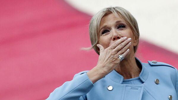 Brigitte Macron en el Palacio Elíseo - Sputnik Mundo