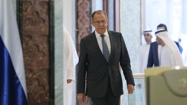 El ministro de Asuntos Exteriores de Rusia, Serguéi Lavrov, durante su visita a Abu Dabi, EAU - Sputnik Mundo