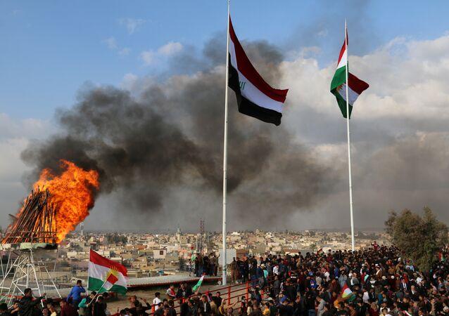 Las banderas de Irak y Kurdistán en la ciudad de Kirkuk (archivo)