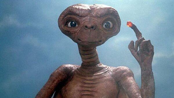 Escena de la película 'E.T. the Extra-Terrestrial' (EEUU, 1982) - Sputnik Mundo