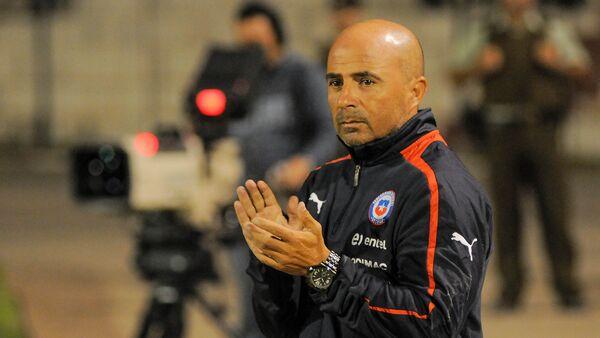 Jorge Sampaoli, actual director técnico de Argentina, retratado en un partido en 2013, cuando dirigía el combinado chileno. - Sputnik Mundo