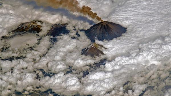 El volcán Kliuchevskói - Sputnik Mundo