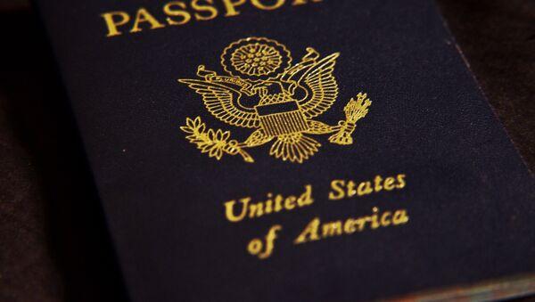 Pasaporte de EEUU (imagen referencial) - Sputnik Mundo