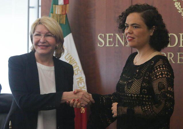 Luisa Ortega, exfiscal general de Venezuela y Mariana Gómez del Campo, senadora mexicana