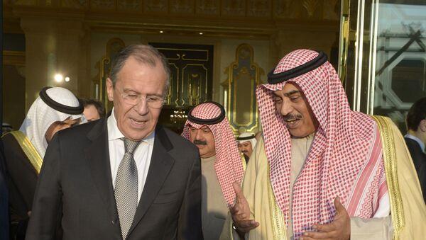El canciller ruso, Serguéi Lavrov y su homólogo kuwaití, Sabah Khaled al Hamad al Sabah - Sputnik Mundo