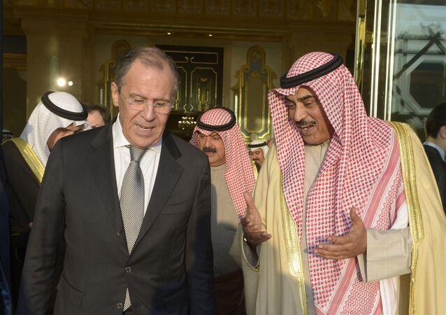 El canciller ruso, Serguéi Lavrov y su homólogo kuwaití, Sabah Khaled al Hamad al Sabah