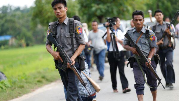 La policía de Birmania - Sputnik Mundo
