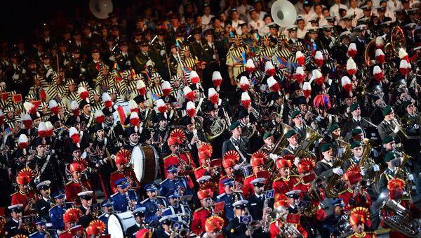 La clausura del Festival de Música Militar en la Plaza Roja de Moscú - Sputnik Mundo
