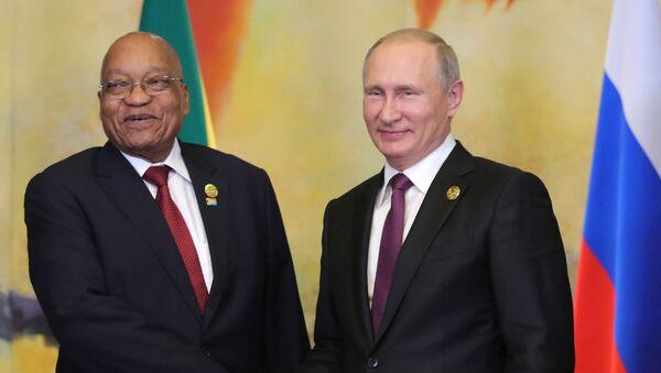 El presidente sudafricano, Jacob Zuma, y el presidente ruso, Vladímir Putin - Sputnik Mundo