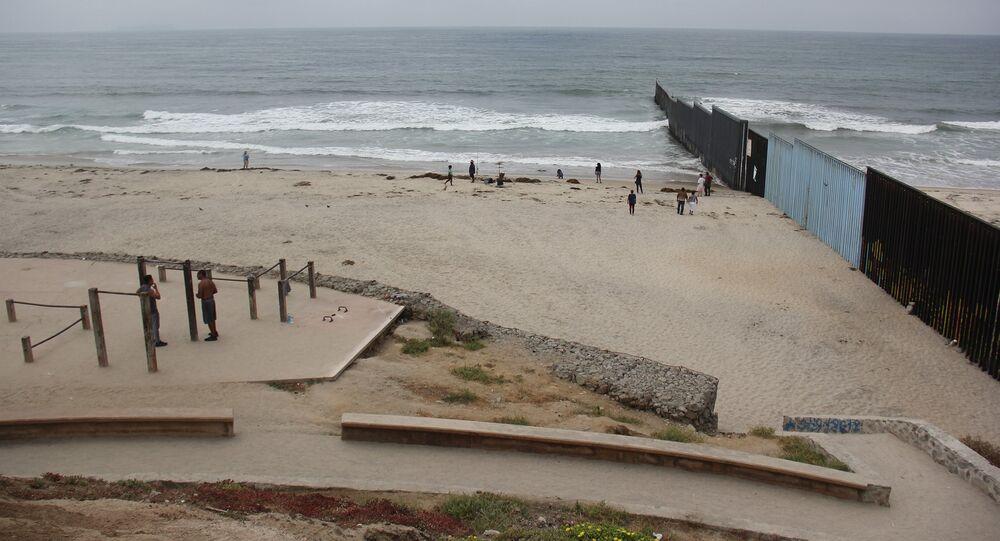 El muro que separa México y EEUU