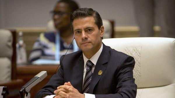 Enrique Peña Nieto, presidente de México, en la cumbre de BRICS - Sputnik Mundo