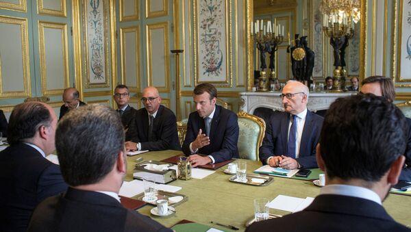 El presidente de Francia, Emmanuel Macron, durante su reunión con el presidente de la Asamblea Nacional de Venezuela, Julio Borges - Sputnik Mundo