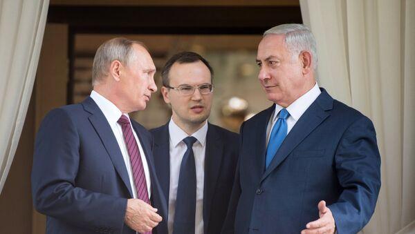 Vladímir Putin, presidente de Rusia, (izda.) y Benjamín Netanyahu, primer ministro de Israel (drcha.) - Sputnik Mundo