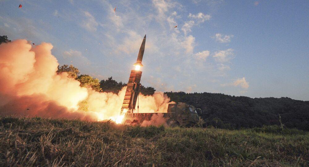 El ensayo de los misiles balísticos Hyunmoo-2 (archivo)