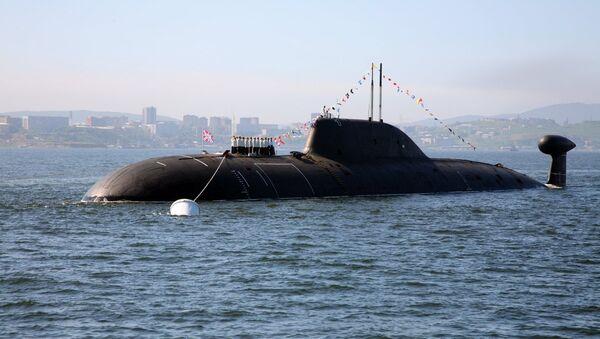 El submarino polivalente K-419 Kuzbass de proyecto 971 Schuka-B en el puerto de Vladivostok, Rusia - Sputnik Mundo