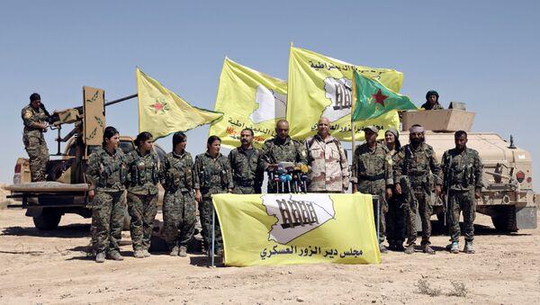 Los miembros de las Fuerzas Democráticas de Siria (FDS) en la región de Deir Ezzor, Siria - Sputnik Mundo