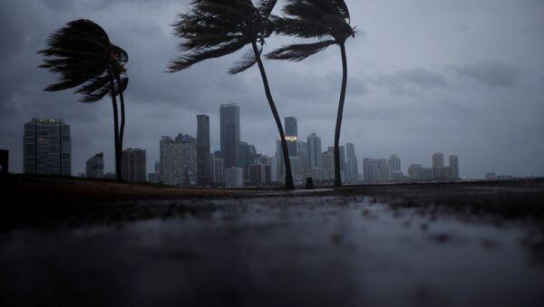 El huracán Irma se acerca a Florida, EEUU - Sputnik Mundo