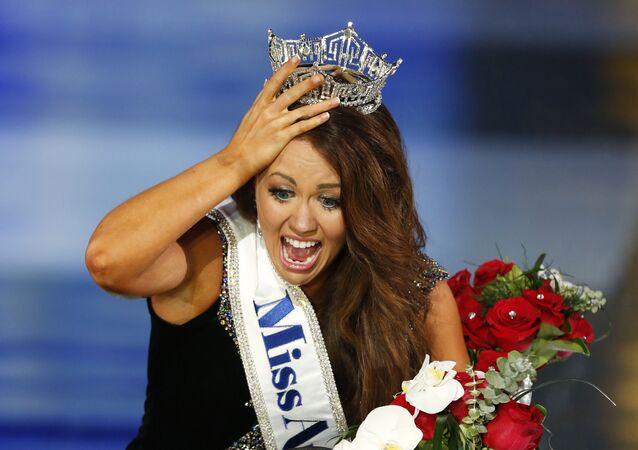 Cara Mund, ganadora de Miss América 2018