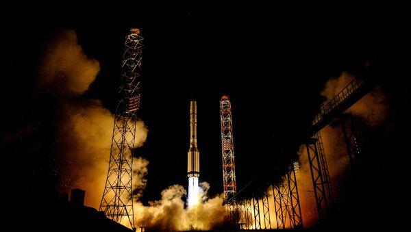 El lanzamiento del cohete portador Protón-M - Sputnik Mundo