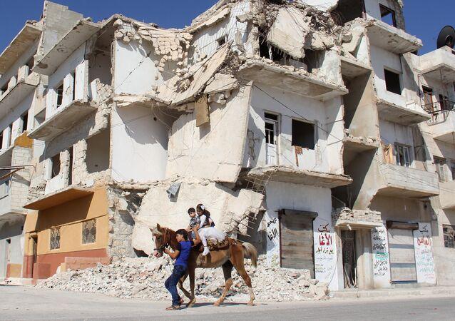 La ciudad siria de Idlib, una de las zonas de distensión acordados durante las negociaciones en Astaná (imagen referencial)