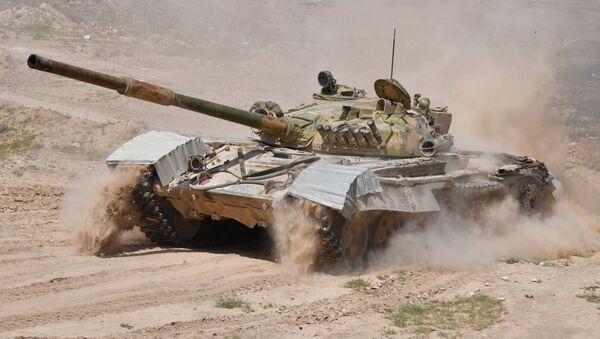 Tanque T-72 del Ejército sirio (archivo) - Sputnik Mundo