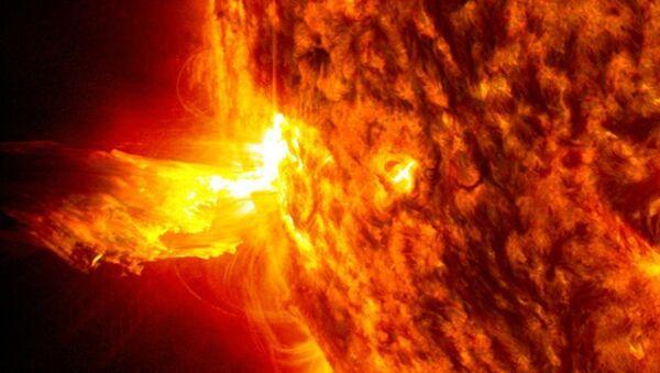 Fulguración solar (ilustración gráfica) - Sputnik Mundo
