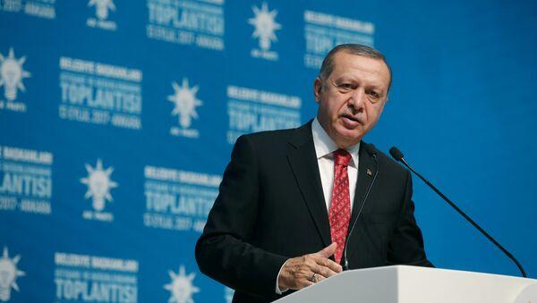 El presidente de Turquía Recep Tayyip Erdogan en el Palacio Presidencial - Sputnik Mundo
