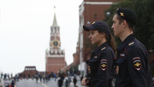 Policía rusa en la Plaza Roja, Moscú - Sputnik Mundo