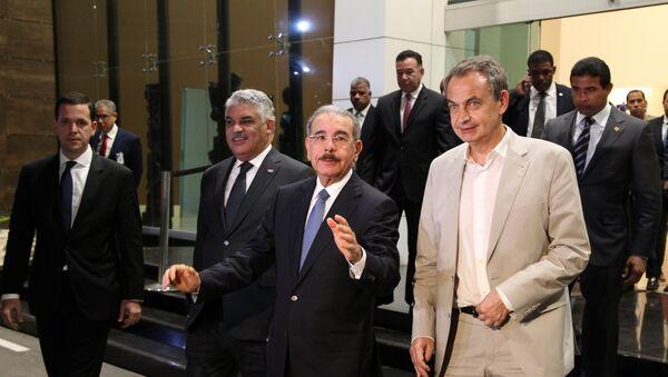 Canciller de la República Dominicana, Miguel Vargas, presidente de la República Dominicana, Danilo Medina, y el expresidente del Gobierno español, José Luis Zapatero - Sputnik Mundo