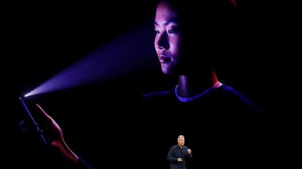 Demostración del sistema de reconocimiento facial de Apple - Sputnik Mundo