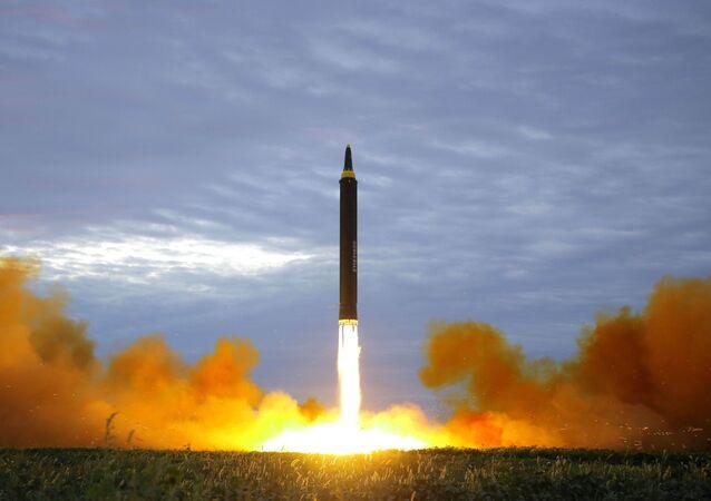 Lanzamiento de un misil por Corea del Norte (archivo)