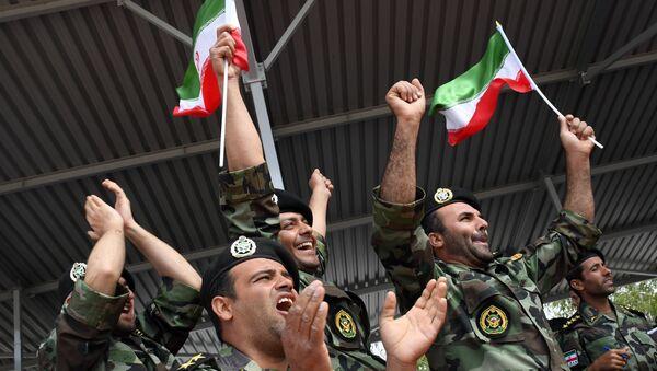 Los militares de las Fuerzas Armadas iraníes - Sputnik Mundo