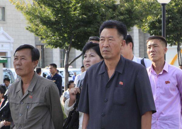 El 'amanecer balístico' norcoreano: las imágenes del nuevo ensayo del Hwasong-12 - Sputnik Mundo