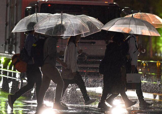 Llegada del tifón Talim a Japón