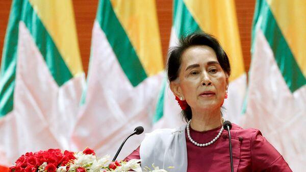Aung San Suu Kyi, exonsejera de Estado birmana - Sputnik Mundo