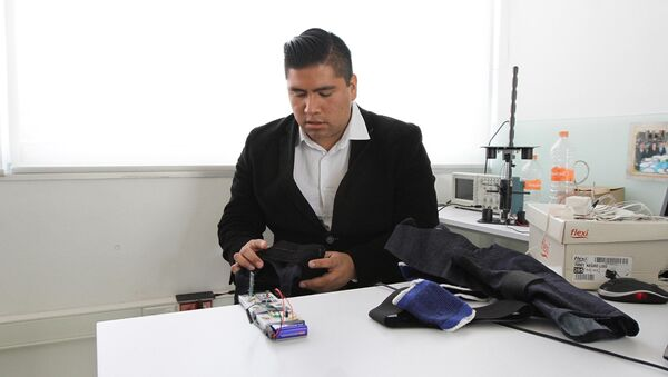 Jóvenes mexicanos apuestan por prótesis biónicas - Sputnik Mundo
