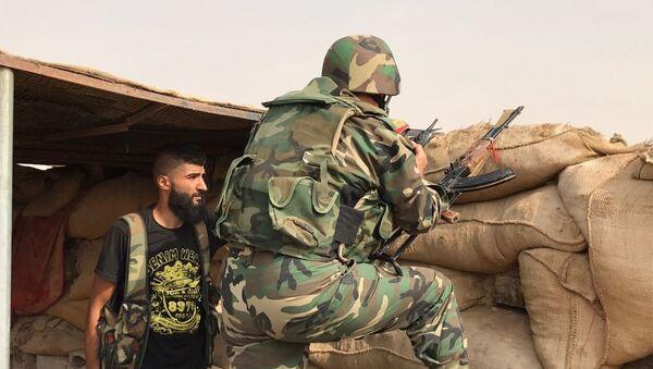 Militares sirios en Deir Ezzor - Sputnik Mundo