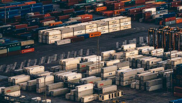 Los cargos en el puerto de Barcelona (imagen referencial) - Sputnik Mundo