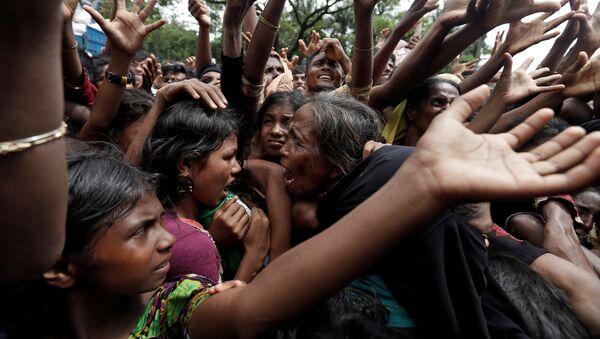 Los refugiados rohinyás en Bangladés - Sputnik Mundo