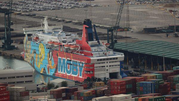 Moby Dada, uno de los cruceros decorados con los personajes de Looney Tunes de Moby Lones - Sputnik Mundo