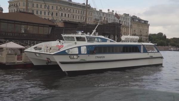 El nuevo catamarán ruso Grifón, la primera embarcación civil en utilizar materiales compuestos en su casco - Sputnik Mundo