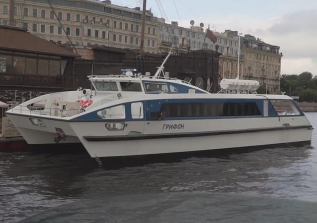 El nuevo catamarán Grifón, la primera embarcación civil rusa en utilizar materiales compuestos en su casco