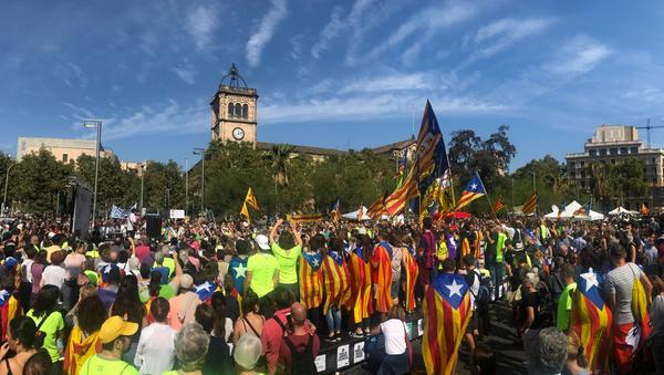 Manifestación en la plaza Universitat, Barcelona - Sputnik Mundo