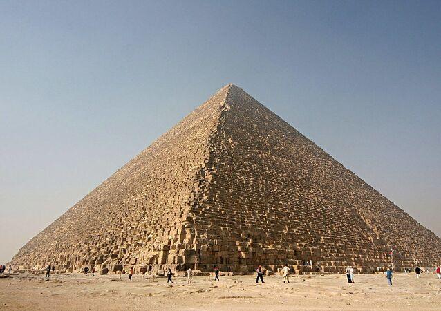 La Pirámide de Keops (archivo)